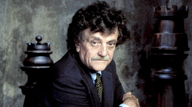 Kurt Vonnegut üç kitabıyla raflarda