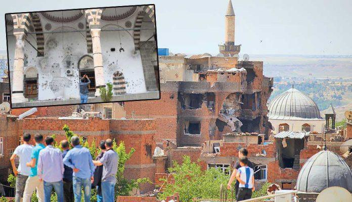 Hasırlı Camii'nin taşları kamyonlarla taşınıyor