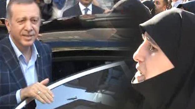 Erdoğan: Malumlara katılmasın? Kadın: Türkmen Cephesi dediler