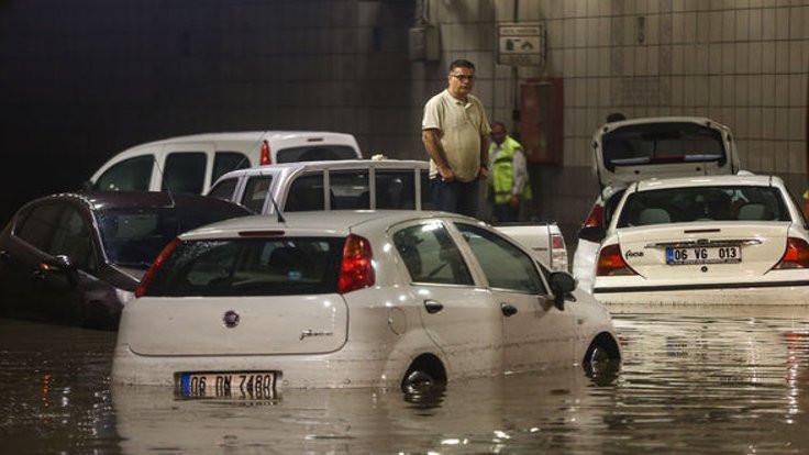 Ankara'yı sel bastı, Gökçek Gezi'cilere çattı!