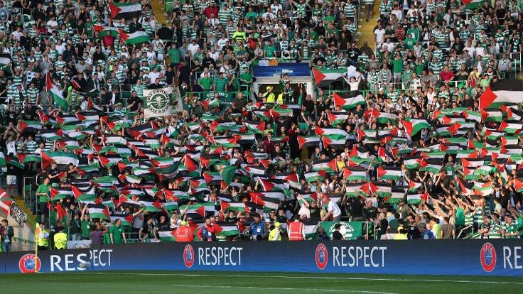 Filistin bayrağının hakkını verdiler