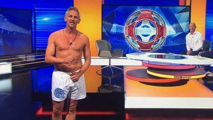 BBC'deki programa iç çamaşırıyla çıktı