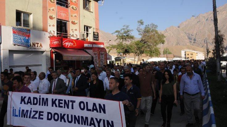 Hakkari'de 10 bin kişi yürüdü