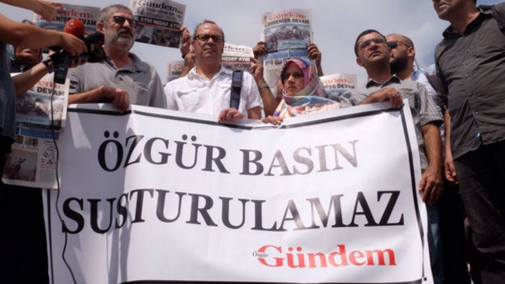 Özgür Gündem davasında 5 gazeteciye hapis