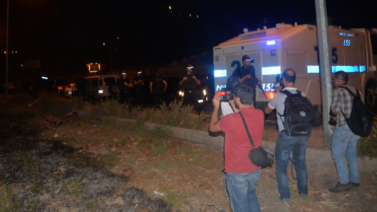 Saldırı sonrası 4 gazeteci gözaltına alındı