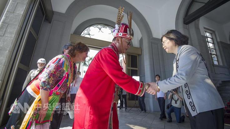 Tayvan yerli halklardan özür diledi