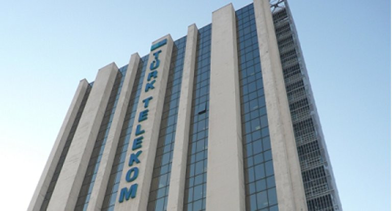 Türk Telekom'un zirvesinde iki istifa