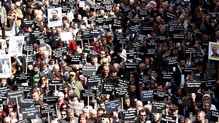 'Basın özgürlüğü ayaklar altında'