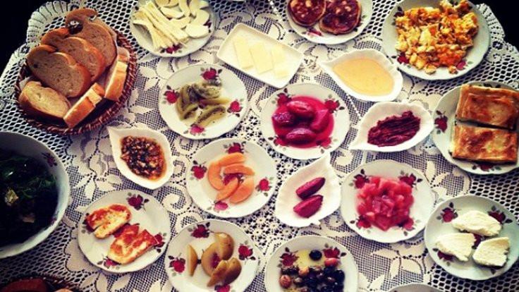 İstanbul'da mükellef bir bayram kahvaltısı için 25 adres