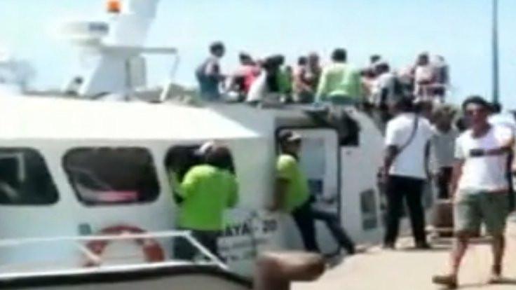 Endonezya'da feribotta patlama