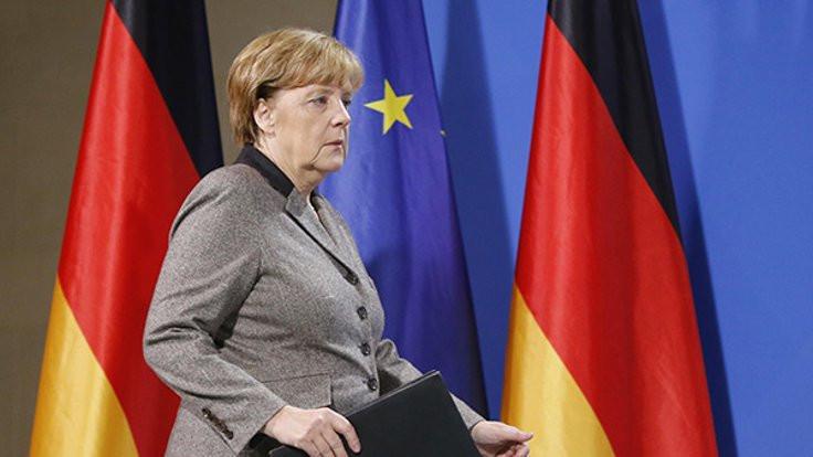 Merkel: Türkiye'ye diz çökmedik