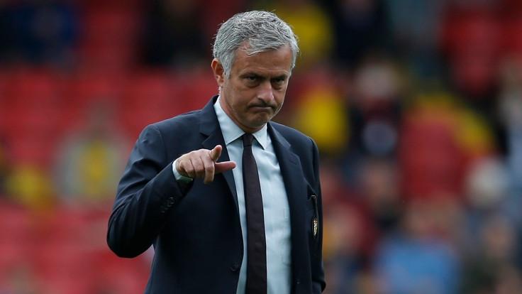 Mourinho: Wenger'in yüzünü dağıtacağım
