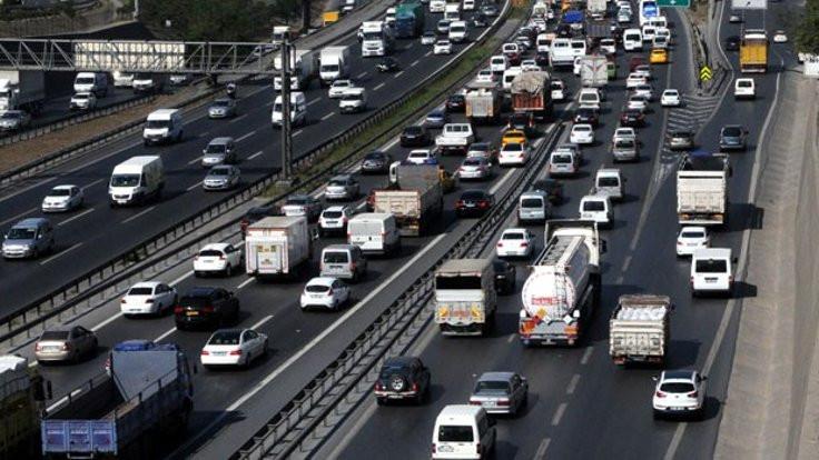 İstanbul'da trafik nerelerde kilitlendi?