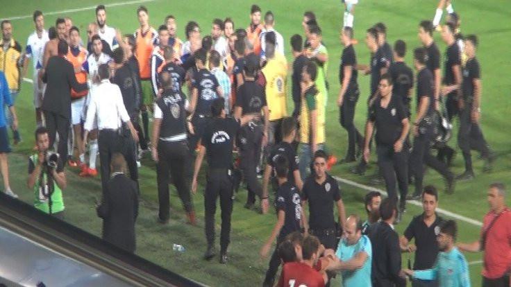 Türkiye-Kıbrıs maçından sonra kavga çıktı
