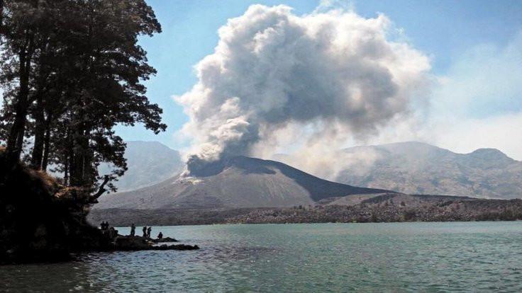 Bali'de volkan faaliyete geçti