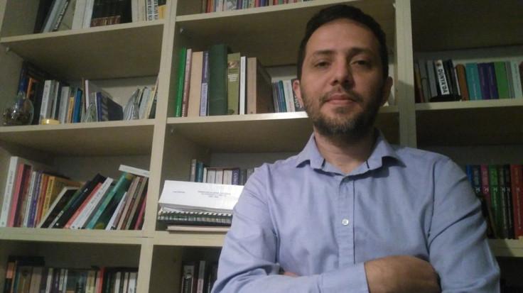 Barış imzacısı akademisyen: Kamuoyunu bilgilendirdiğim için ceza aldım