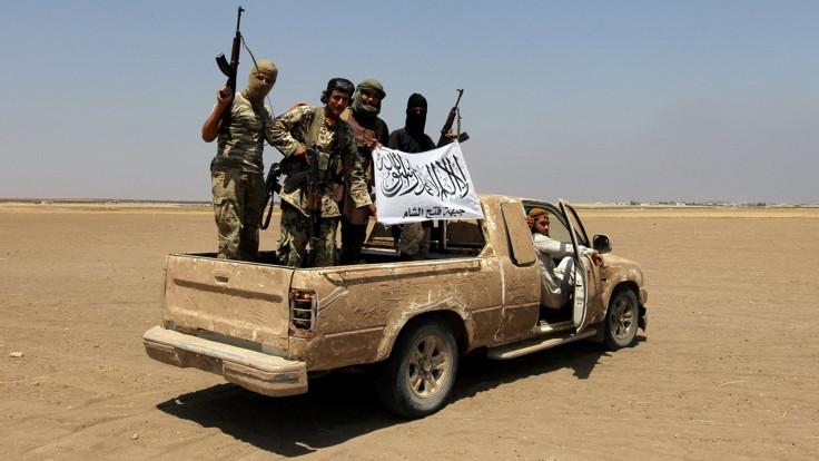 'Suriye'deki terör grupları yeniden yapılanıyor'