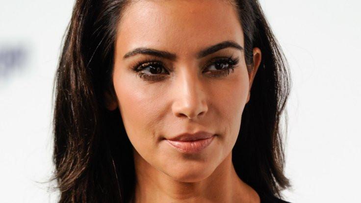 Kardashian'a Paris'te silahlı soygun
