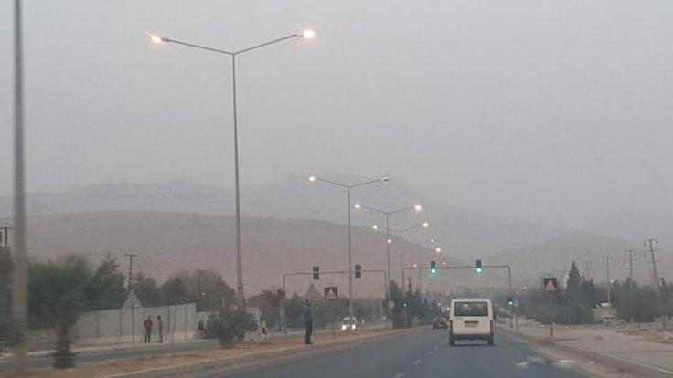 Mardin'de fırtına: Halk dışarı çıkamıyor!