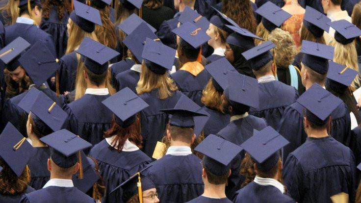 Akademide son durum: Gidebilen yola düşüyor