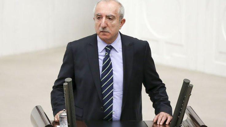 AK Partili vekilden Aslı Erdoğan'a destek