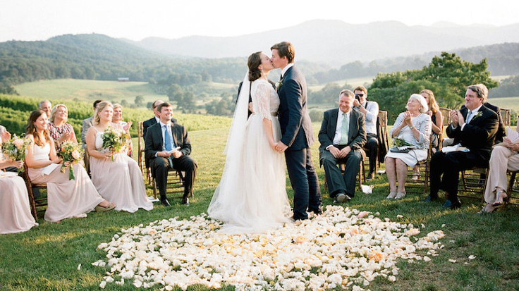 Kadınlar evlilik fikrine ısınıyor