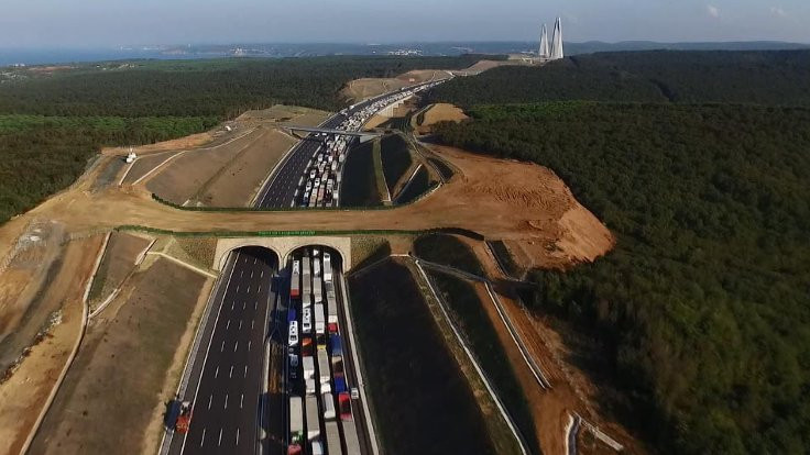 Köprüde trafik 5 kilometreyi buldu