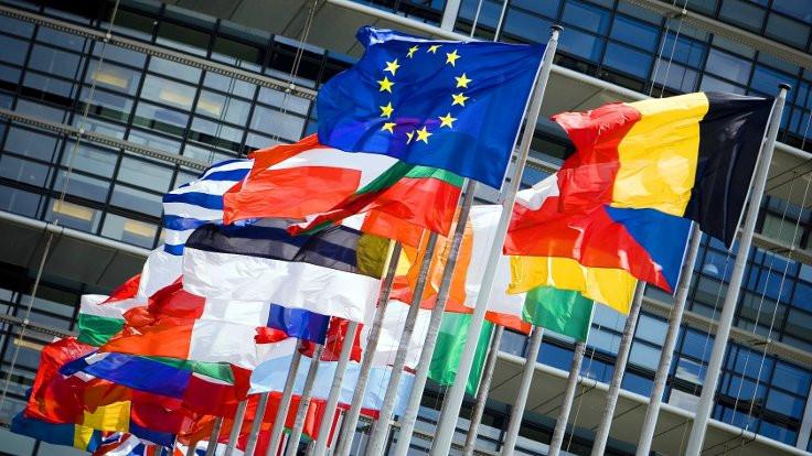 Huzursuz Avrupa'da göç ve demokrasi krizi