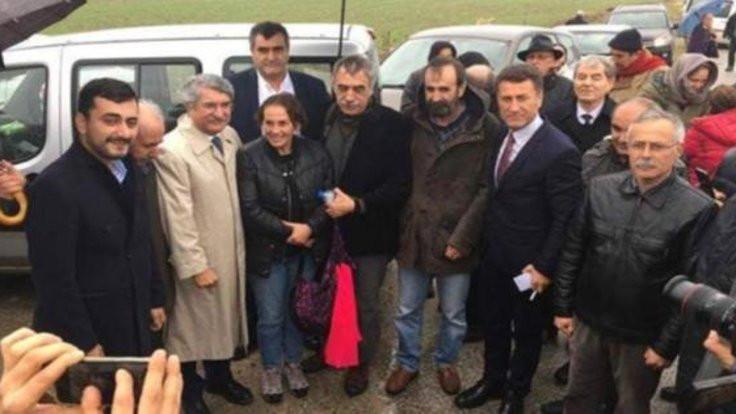 Sağlar'dan Demirtaş ve Cumhuriyet tweeti