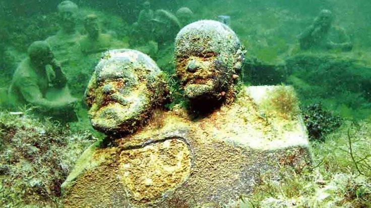 Marx ve Lenin Karadeniz'e emanet!