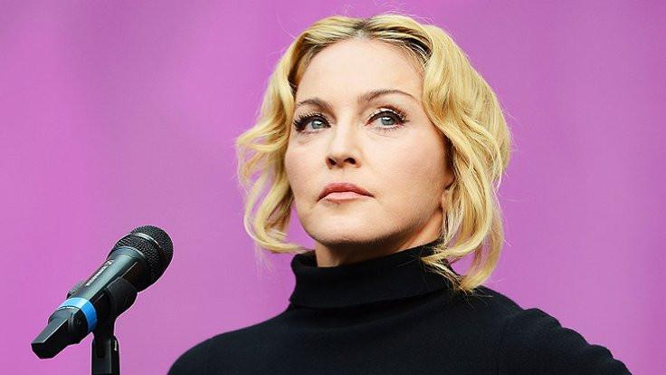 Madonna: Dünya bize gülüyor