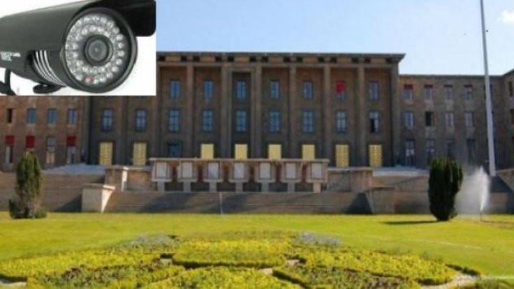 Polis Meclis'te gizli kamera aradı