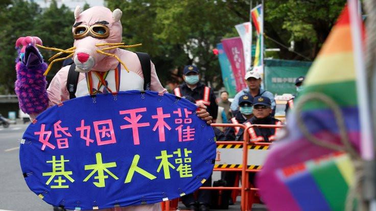 Tayvan'da gündem eşcinsel evliliği