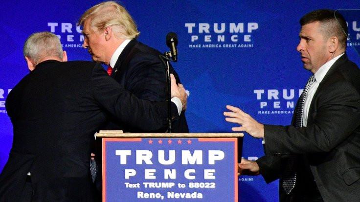Trump sahnedeyken silah paniği