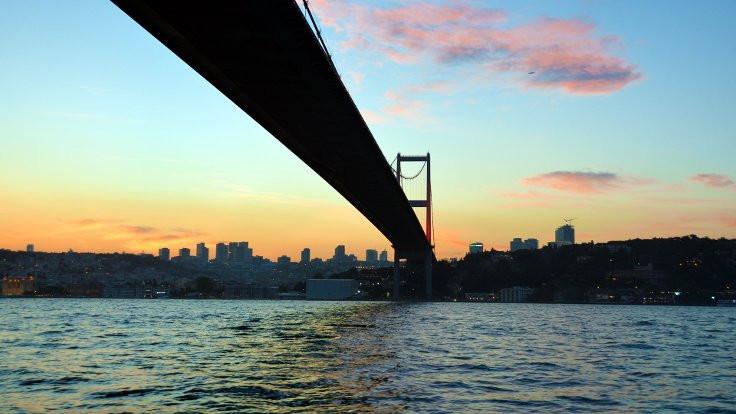 Köprünün kapanış saati değişti