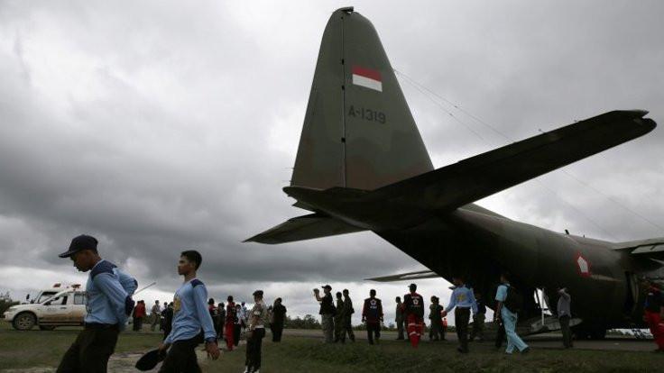 Endonezya'da uçak kazası: 13 ölü