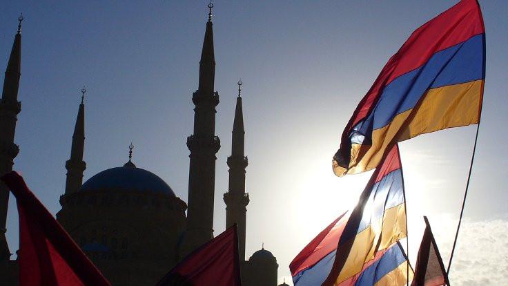 Lübnan'da iki Ermeni bakan