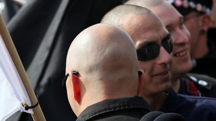 İngiliz Neo-Naziler terör listesinde!