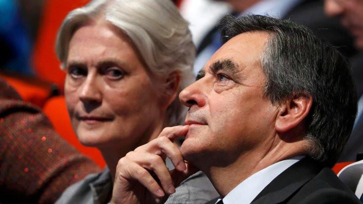 'Fillon eşine çalışmadan maaş ödedi' iddiası