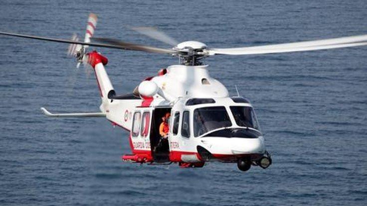 İtalya'da kurtarma helikopteri düştü