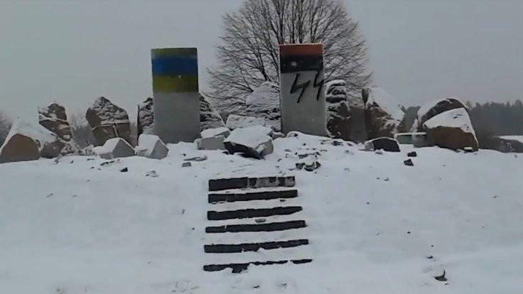 II. Dünya Savaşı anıtını yıktılar!