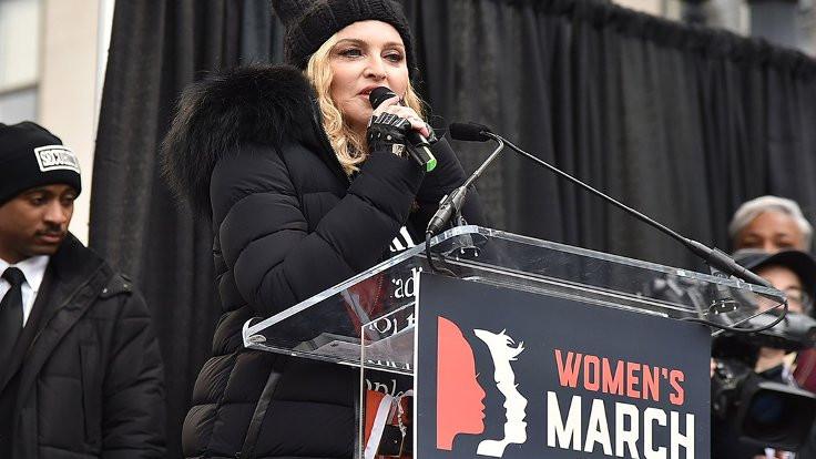 Madonna'ya radyoda 'Trump sansürü'