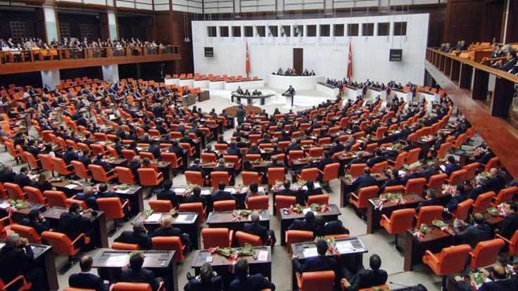 Meclis tatile girdi: CHP'den sahte oy iddiası