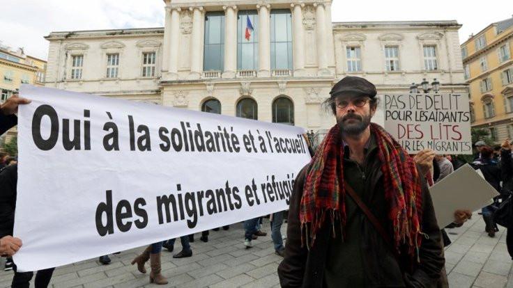 Mültecilere yardımdan yargılanıyor