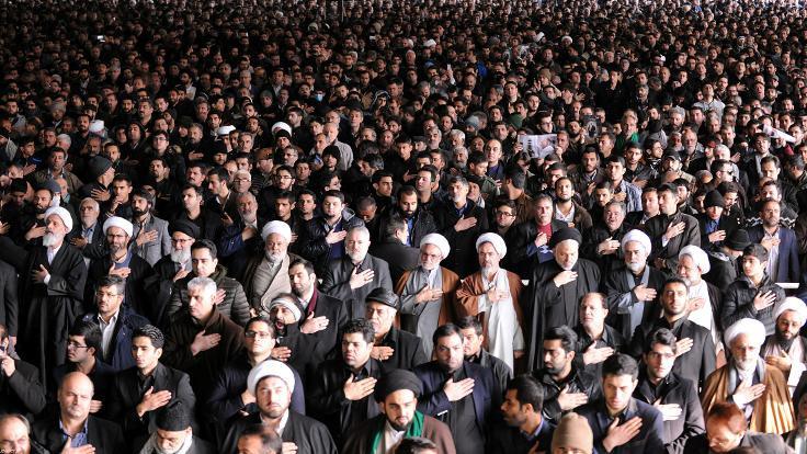 İran Rafsancani'yi uğurluyor