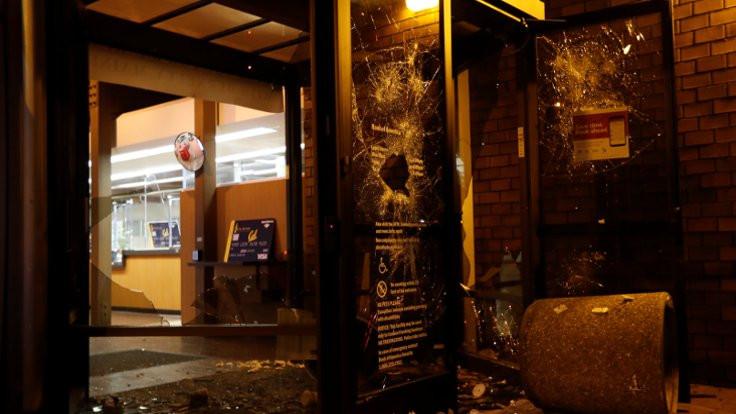 Berkeley'de ırkçı gazeteci isyanı