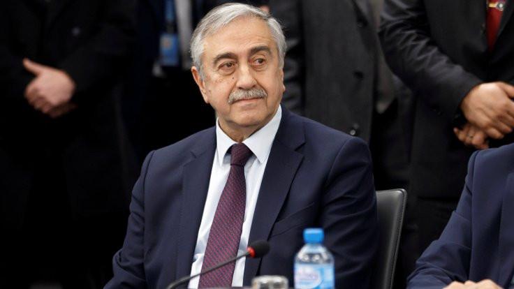 Kıbrıs'ta müzakere krizi: Kapıyı çarpıp çıktı