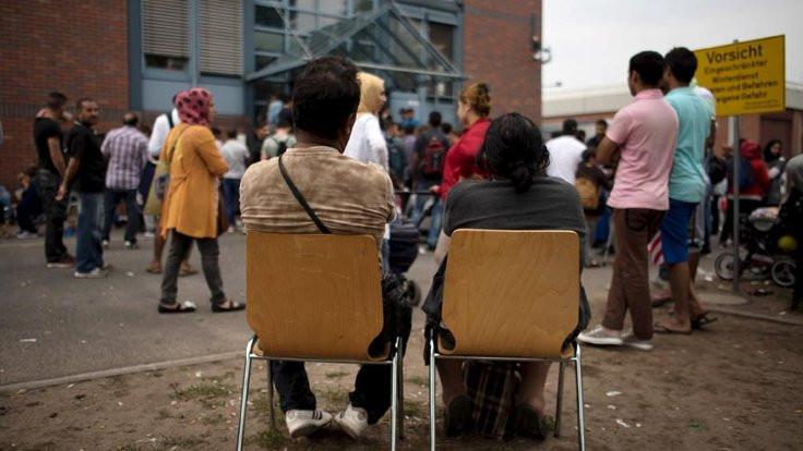 Almanya'da günde on mülteci şiddet görüyor