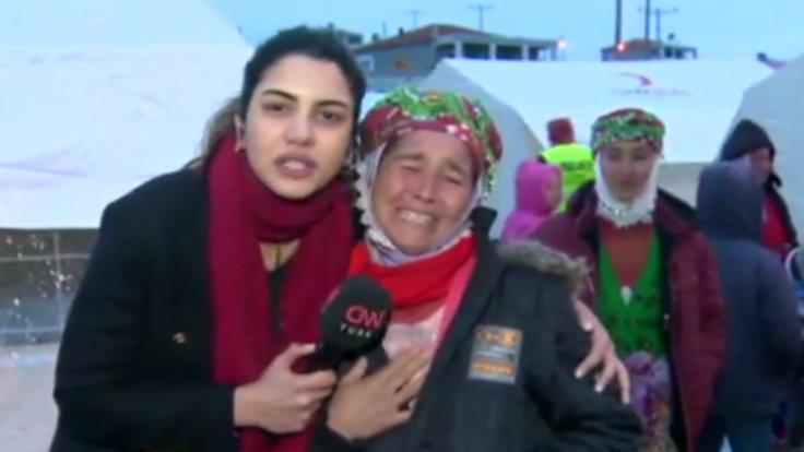 Deprem oldu muhabir Çanakkaleliye sarıldı