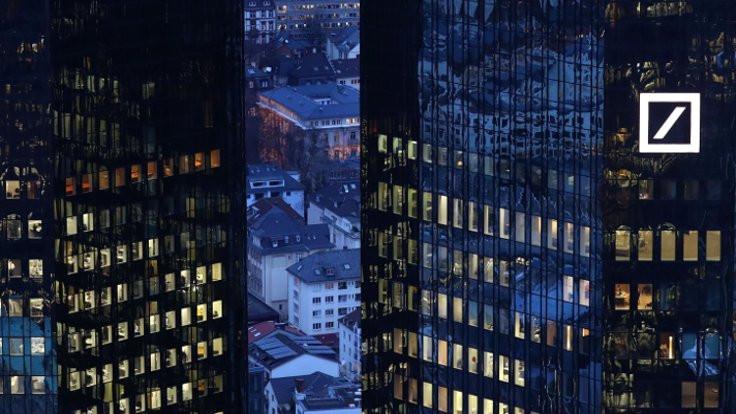 Deutsche Bank özür diledi